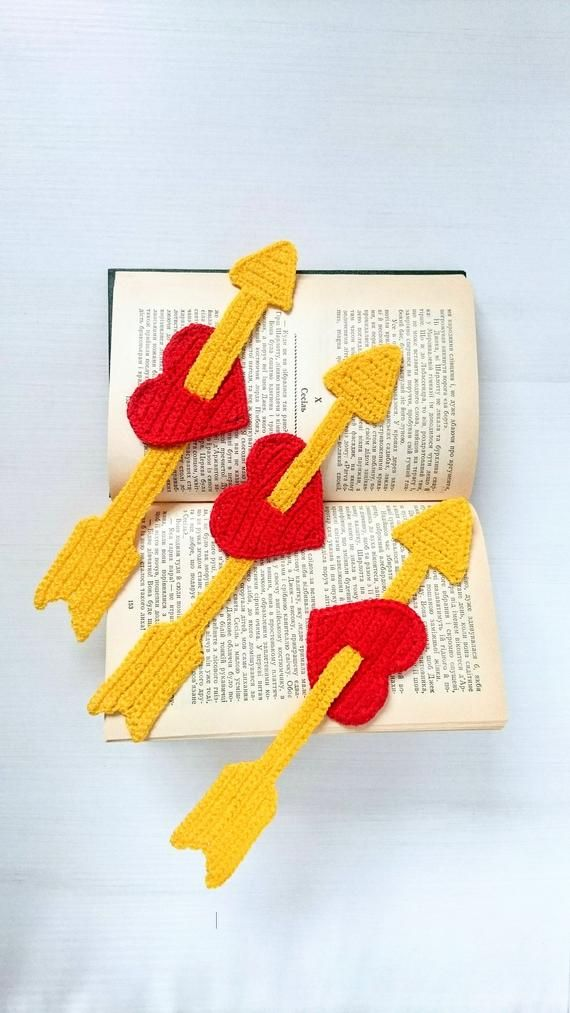 Unique crochet bookmark Heart with arrow – a cute useful souvenir for a lovely person! Perfect gift for Valentine, anniversary, for finance, for him a…