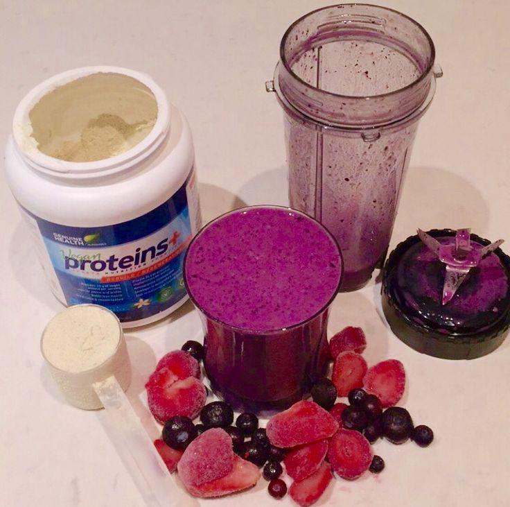 Post-Workout Smoothie. #vegan #protein #vanilla #starwberries #blueberries #dairyfree #postworkout #smoothie