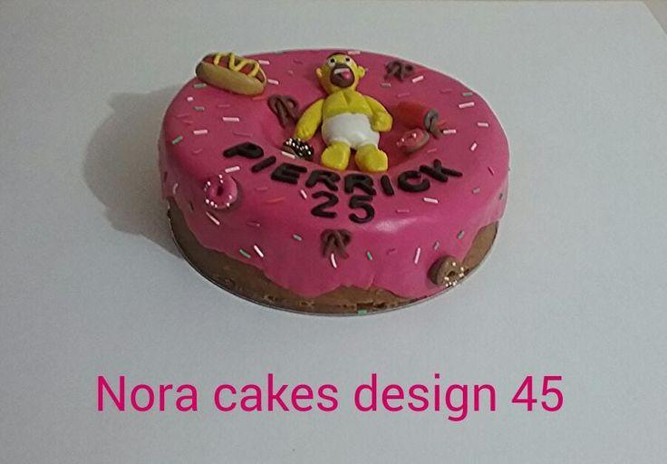 Gâteau en forme de donuts avec Omer simpson !