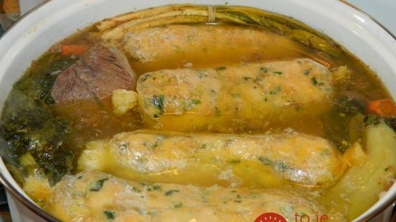 Lepšiu knedľu som nikdy nejedla: Zo staršieho pečiva a slaninky, namiesto vody ju uvarte v polievke!