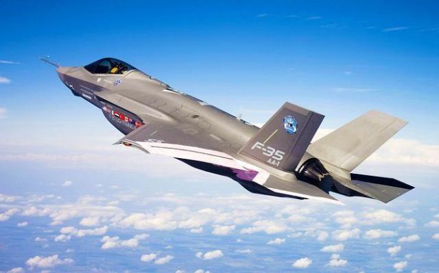 Американские военные жалуются на ненадежные F-35. Модификация новейшего истребителя F-35, которую планируется поставлять в Корпус морской пехоты, продемонстрировала низкую надежность в ходе 12-дневных морских испытаний, пишет газета «Взгляд». По информации Пента�