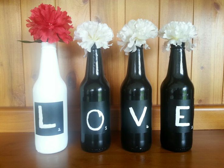 Old beer bottles turn vase's