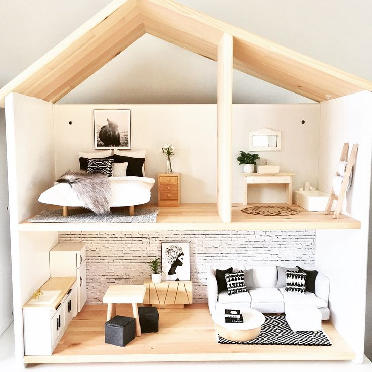 IKEA Flisat dollhouse hack, modern boho inspired wooden dolls house renovation ideas, 1:12 scale, Follow @onebrownbearvon Instagram