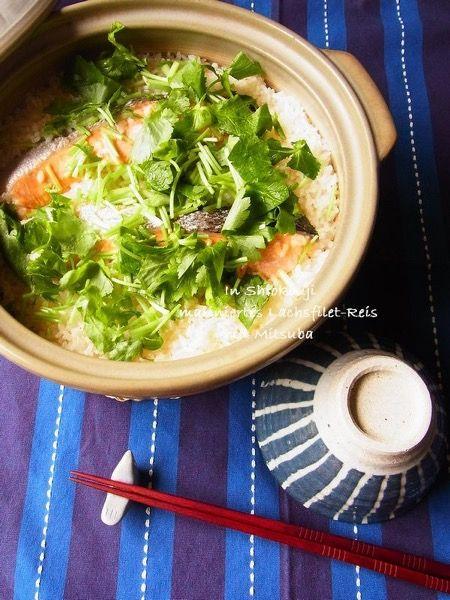 塩麹鮭と三つ葉の土鍋ご飯 by 庭乃桃 | レシピサイト「Nadia ...
