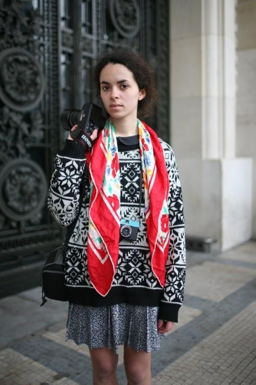 #inspiratie Draag en combineer je vierkante sjaal zo. [foto]