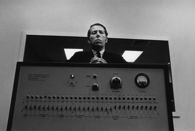 10 Famous Psychological Experiments That Could Never Happen Today  - psychology as we know it in a neat little link -