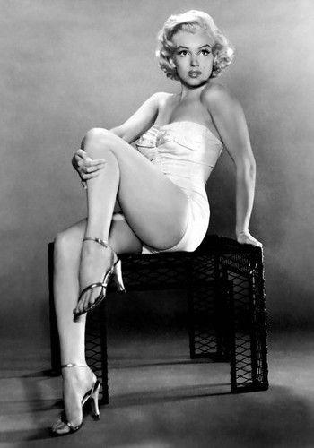 Vintage black & white photograph of Marilyn Monroe