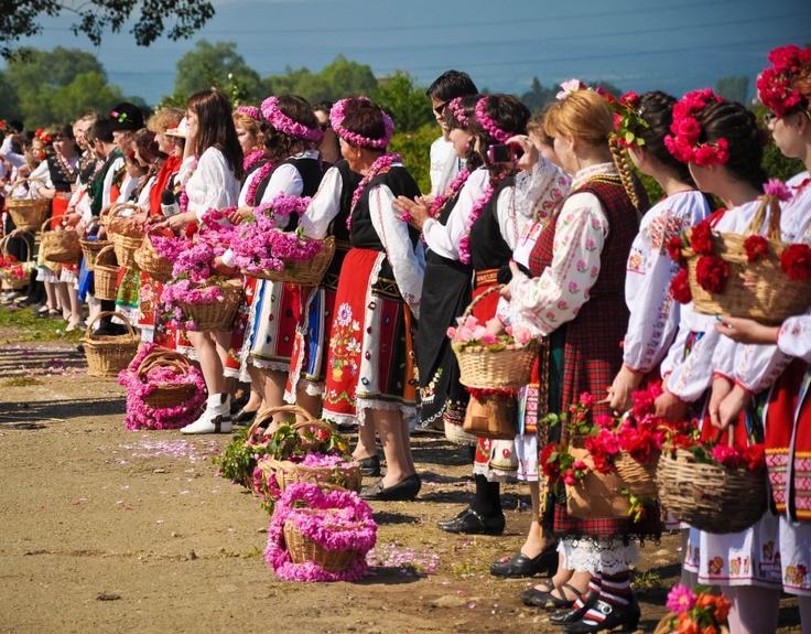 Rose Festival - http://www.dianora.ro/2012/07/festivalul-trandafirilor-kazanlak-enina.html