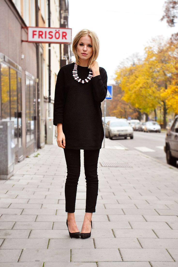 .Fashion, Black Outfits, Statement Necklaces, Style, All Black, Clothing, Black On Black, Work Outfit, Black Sweaters