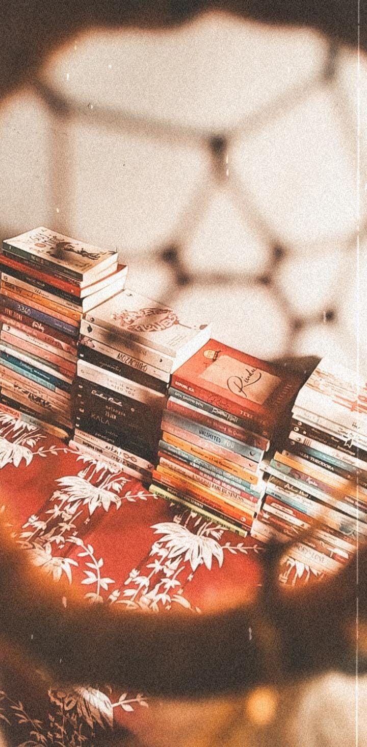 Tumpukan Buku Buku Membaca
