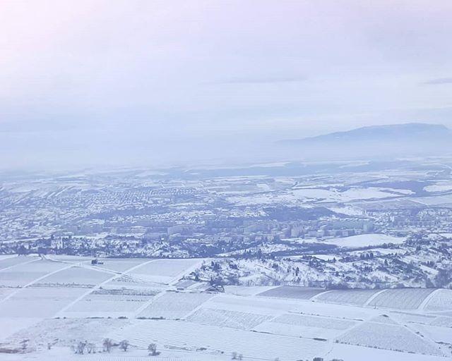 Itt élek. És imádom!  #myhome #sight #hilltop #snow #panorama