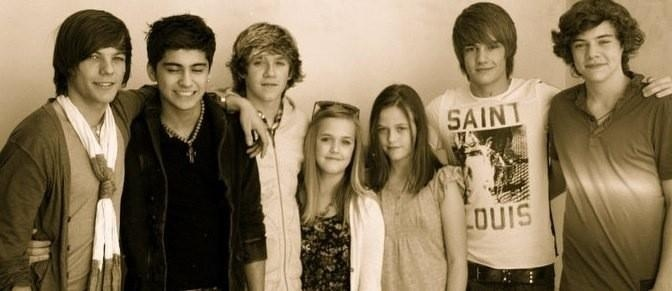 Fizzy Tomlinson Facebook: Whenever They Take Group Pictures With Family Members, The