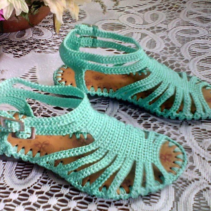Sandalia verde menta.😉😆 #tiritas#plana #comoda #paraniña #colores #tallas #verdementa#moderna# #crochet #hechoamano #hechoencolombia.