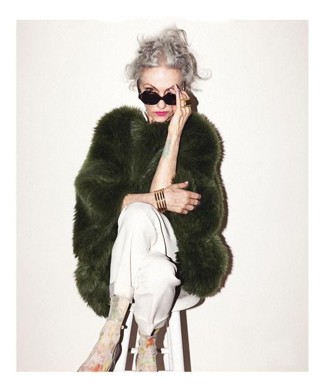 RIKA Magazine featuring Linda Rodin wearing WXYZ Jewelry Spring Coil Bangle
