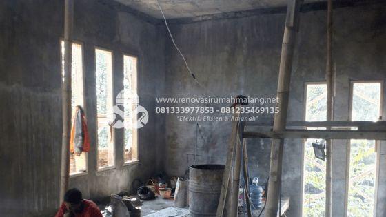 Pemasangan Kusen pintu Bangun rumah baru di malang HUB. 0813.3397.7853 atau 0812.3546.9135
