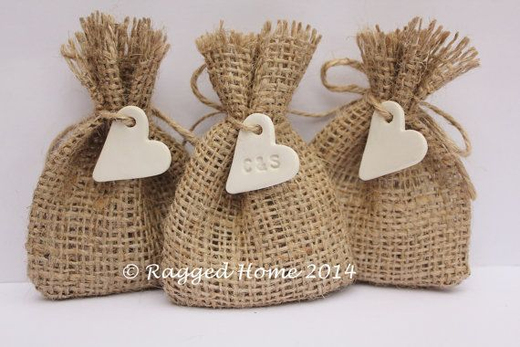 "100 x Mini Burlap Hessian Wedding Favour Bags and Heart Charms 2.5"" x 3.5"" - Personalised"