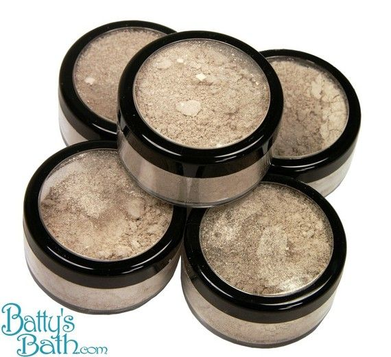 If you're looking for a way to cover up scars, redness, blemishes, dark eye circles, black heads, or other imperfections without making them worse later then you've found the concealing powder for you!    You only need a tiny dab of concealer so this 1oz jar will last a really long time! Think of this concealer as jesso to a painters canvus -  To use, apply your primer or moisturi...
