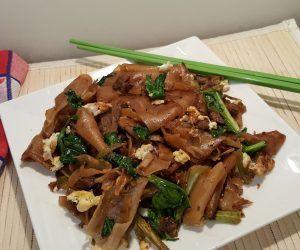 Thai Pad See Ew (Stir Fried Noodles) - This Old Gal