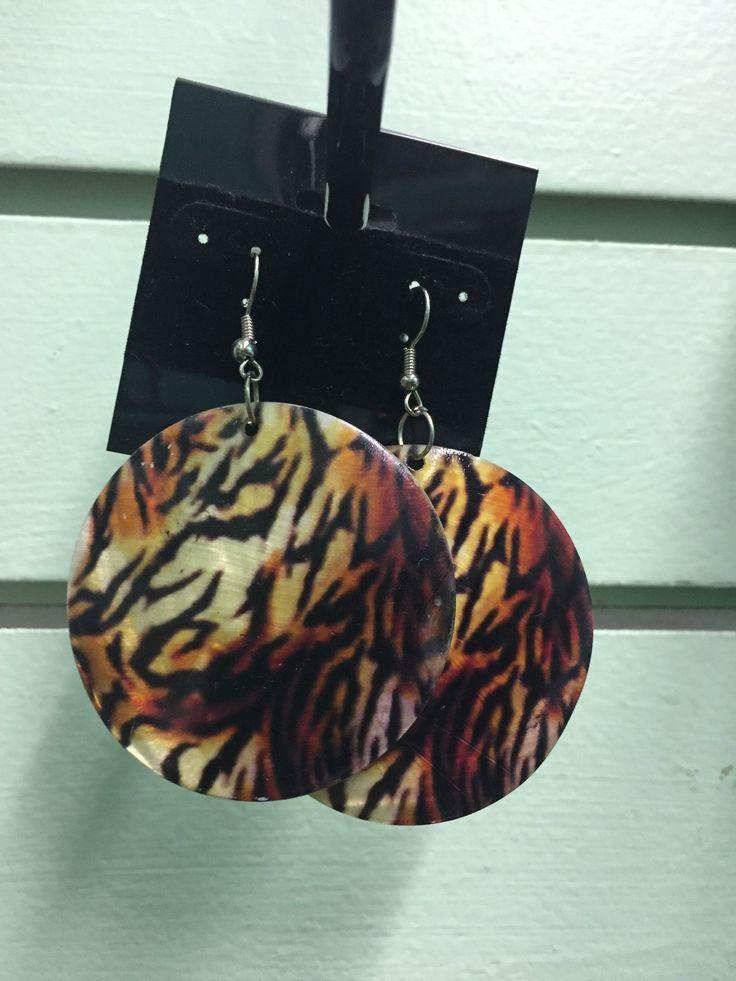 Round animal print earrings
