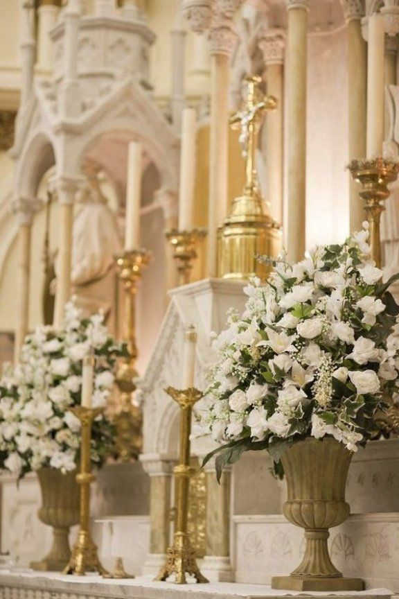 17 Best Images About Church Flowers On Pinterest Altar Decorationwedding Decoratio In 2020 White Floral Arrangements Church Wedding Decorations Church Flowers