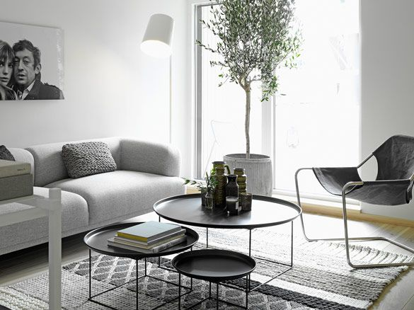 Living room styled By-Lotta-Agaton-: Center Tables, Grey Rooms, Coffee Tables, Living Rooms, Nordic Style, Interiors Design, Coff Tables, Indoor Trees, Nests Tables