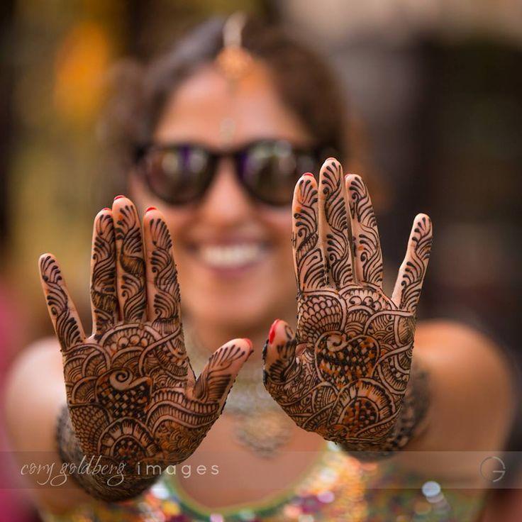 🙌So simple and so interesting! Photo byCory Goldberg Images, Goa #weddingnet #wedding #india #indian #indianwedding #weddingdresses #mehendi #ceremony #realwedding #lehenga #lehengacholi #choli #lehengawedding #lehengasaree #saree #bridalsaree #weddingsaree #photoshoot #photoset #photographer #photography #inspiration #planner #organisation #details #sweet #cute #gorgeous #fabulous #henna #mehndi