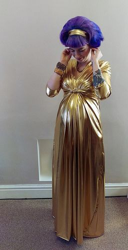Gold Maternity Dress #sewing #vintage #maternity
