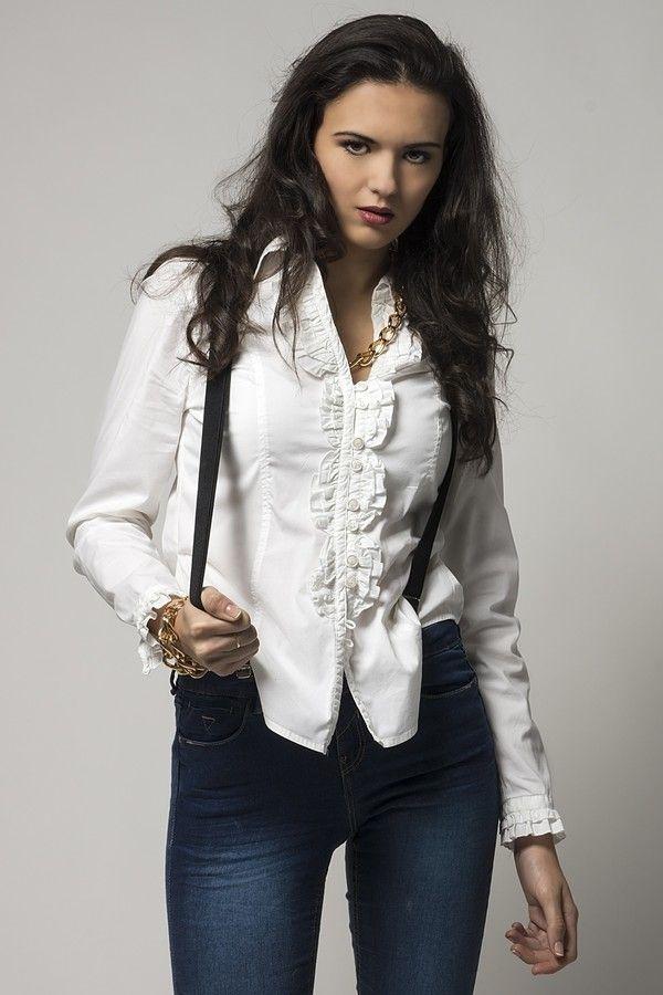 Carmen by Px3 Studio  on 500px Sesiones de estudio de moda, belleza y retrato #fashion #beauty #portrait
