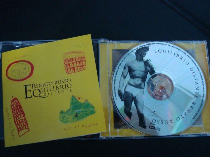 Equilibrio Distante foi o segundo álbum solo de Renato Russo, lançado em 1995