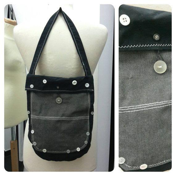 Guarda questo articolo nel mio negozio Etsy https://www.etsy.com/it/listing/454859848/borsa-nera-jeans-e-bottoni