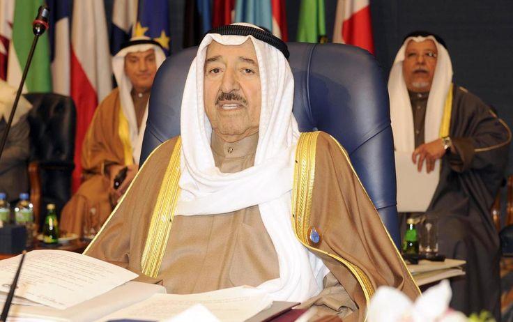 Saudi & Sekutunya Setujui Permintaan Kuwait Perpanjang Batas Waktu Qatar Penuhi Tuntutan  Emir Kuwait Sheikh Sabah Al Ahmad Al Jaber Al Sabah  SALAM-ONLINE: Arab Saudi dan tiga sekutunya yang memboikot Qatar Ahad (2/7) menyetujui permintaan Kuwait yang menjadi mediator untuk memperpanjang tenggat waktu 48 jam bagi Doha dalam memenuhi serangkaian tuntutan demikian sebuah pernyataan gabungan dari kantor berita Saudi SPA sebagaimana dilansir kantor berita Kuwait KUNA Senin (3/7/2017).  Tanpa…