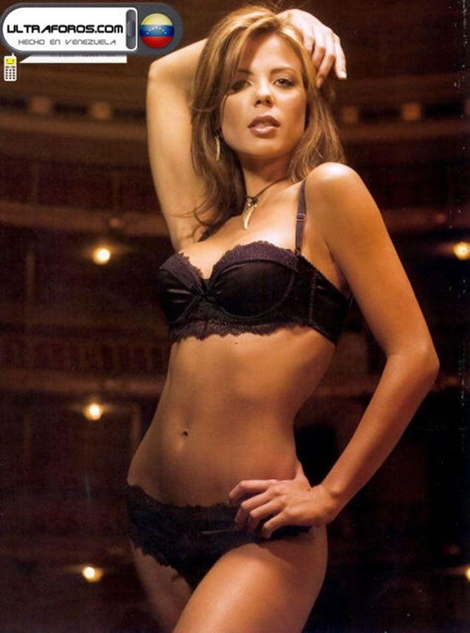Gallery Cleavage Wanda D'Isidoro  nudes (69 pics), YouTube, in bikini