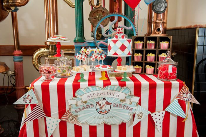 Circus Guest Dessert Feature | Amy Atlas Events
