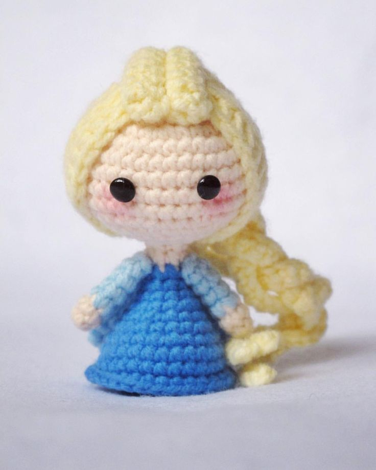 """204 Likes, 4 Comments - song(嵩小锁) (@songxiaosuo) on Instagram: """"The cold never bother me anyway~ #elsa #amigurumi #crochet #crochetdoll #craft #handmade"""""""