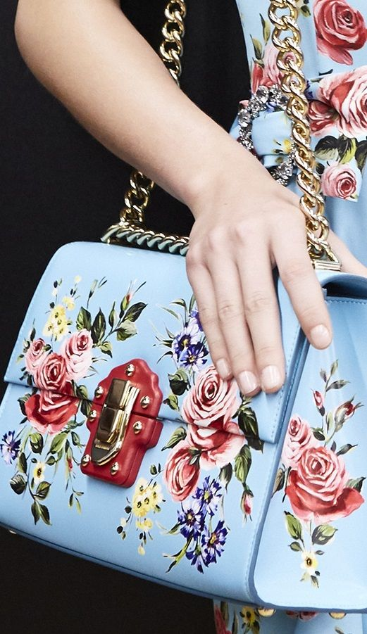 Dolce and Gabbana SS 2017 RTW Handbags Wallets - http://amzn.to/2i1nBxm