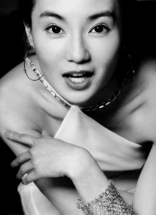 Maggie Cheung. 아름다운 장만옥.