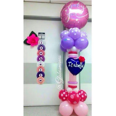 Columna decorativa, abanicos con nombre y bella rosa para dar la Bienvenida al mundo a la princesita  bebe #nacimiento #fiestas #fiesta #decoración #globos #arreglos #arreglo #amor #pompones #abanicos #pompon #abanico #love #teamo #cumpleaños #columnadeglobos #columnballoons #aniversario  #primeracomunion  #boda #15años #decoracionhabitacion  #balloons #decoración #flores #columnadecorativa #doralzuela #venezolanosenmiami #hospitaldeclinicascaracas #globospersonalizados