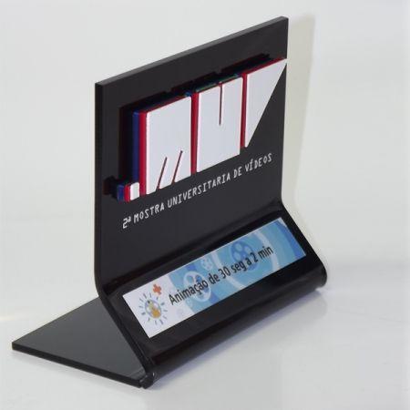 Troféu MUV. 2º mostra de vídeo universitário UNIFRAN - Sobreposição de acrílico 2 mm. #FrancaPlacas #Troféu #Acrílico #Muv #Unifran #FrancaSP #Contato #(16)37274300
