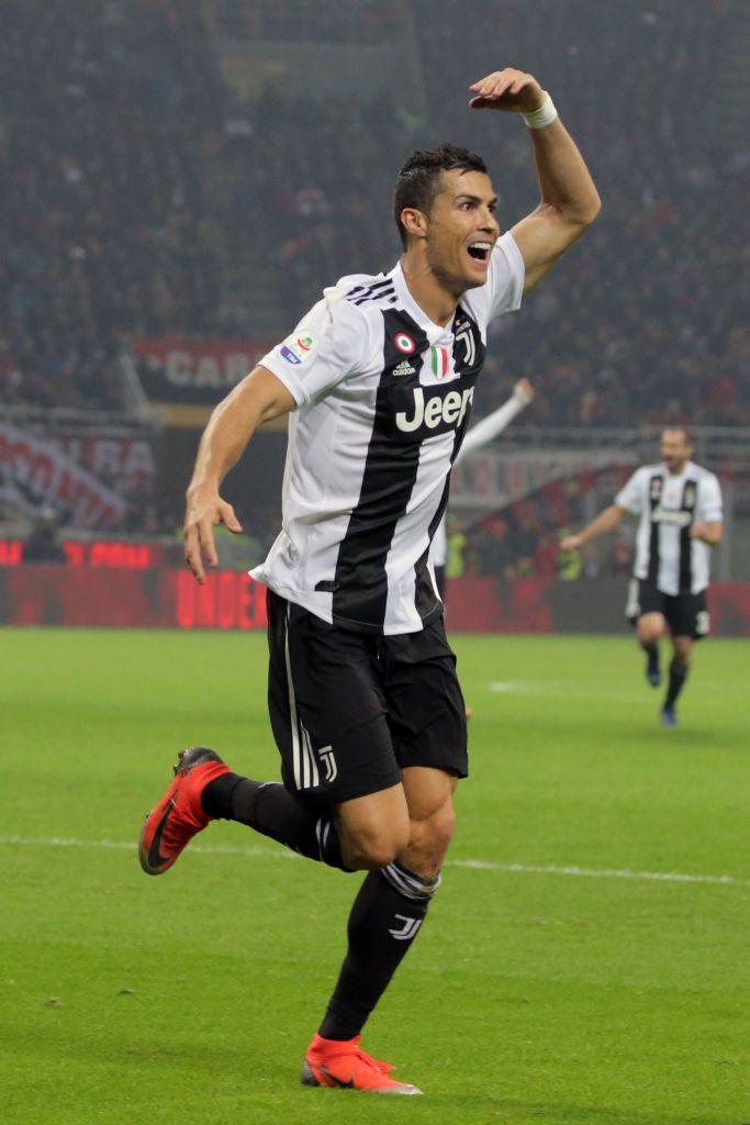 j7Cristiano Ronaldo #7 of Juventus FC celebrates after ... 1