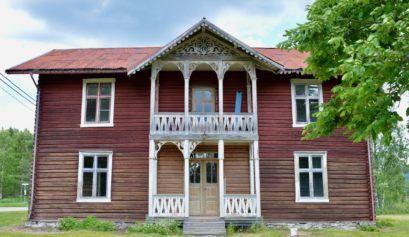 A Norwegian Swiss Chalet Timber house.   #sveitserhus #timberhouse #nordichome #norwegianhome