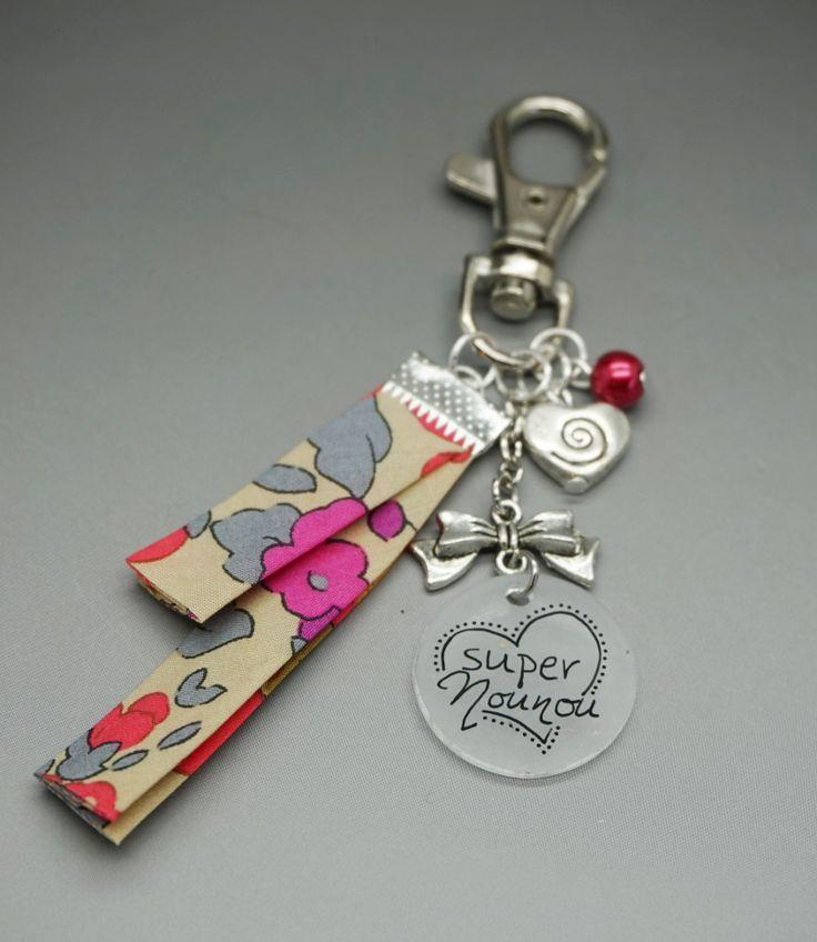 porte clef / Bijoux de sac Super Nounou