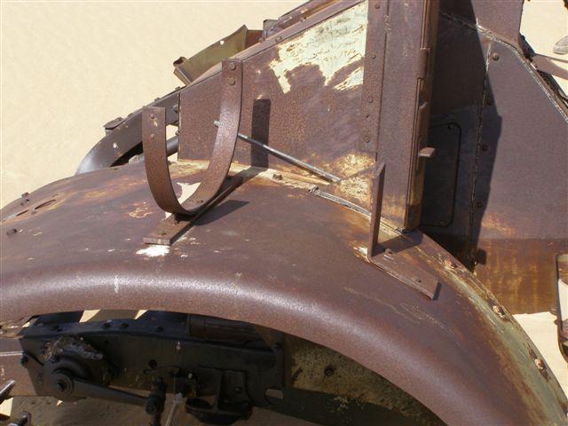 Tous les véhicules de l'unité ont été armés avec au moins une arme à feu;  chaque véhicule était équipé de six à huit supports d'armes à feu, mais normalement ne ferait que deux ou trois d'entre eux en cours d'utilisation.  la source