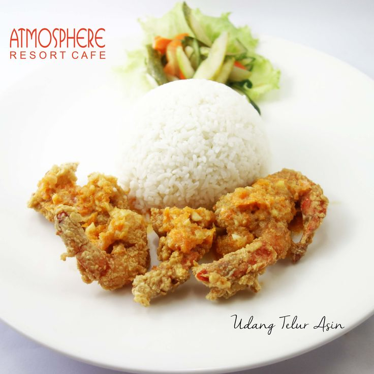 Crispy fried prawn in savory  salted-egg-sauce, with white rice & pickles