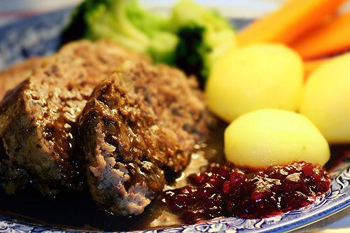 Köttfärslimpa med (hemmagjord) löksoppa