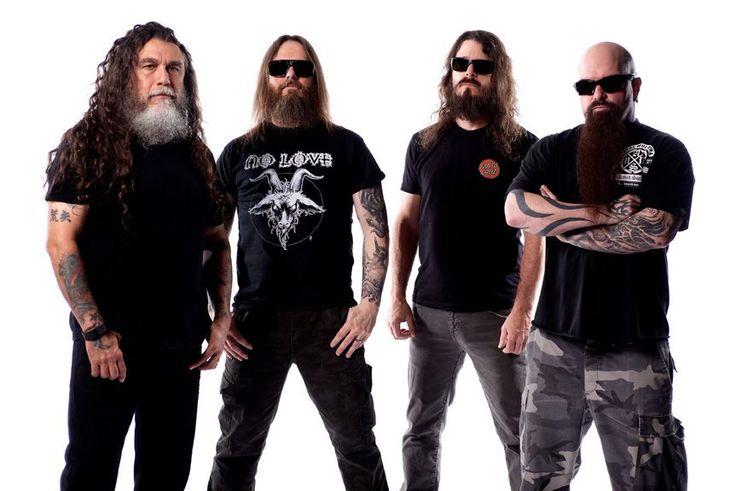 """(Por Karen Waleria) A capital gaúcha aguardava um show do SLAYER há muito tempo, pelo menos há uns 30 anos. Desde o lançamento de """"Reign in Blood"""" em 1986, Porto Alegre já recebeu METALLICA, MEGADETH e o ANTRAX e agora, finalmente, recebeu o SLAYER. As quatro bandas juntas formam o famoso """"Big 4"""" das bandas de thrash metal da década de 80."""