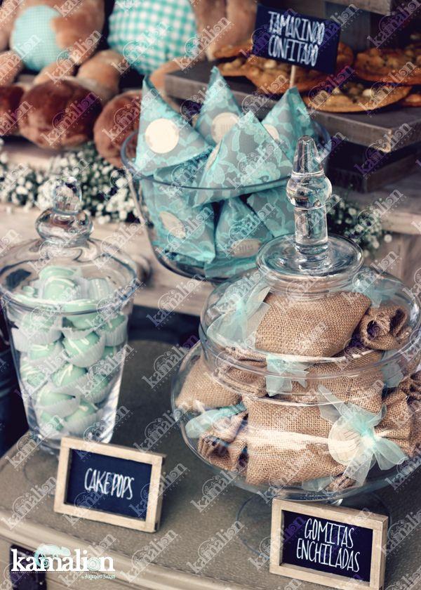www.kamalion.com.mx - Mesa de Dulces / Candy Bar / Postres / Evento / Menta / Mint / Rustic Decor / Dulces / Vintage / Cake pops / Burlap / Yute / Bautizo / It's a boy / Christening.