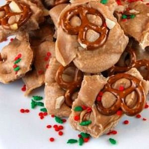 Eggnog Bark: Eggnog Pretzels, Recipes Girls, Bark Recipes, Eggs Nog, Fudgi Eggnog, Holidays Recipes, Yummy Recipes, Fudgi Eggs, Pretzels Bark