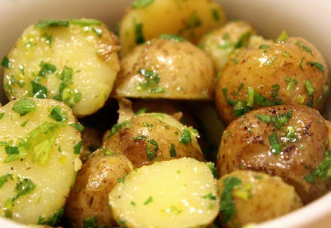 Cum sa prepari ceva perfect pentru post: cartofi cu mujdei