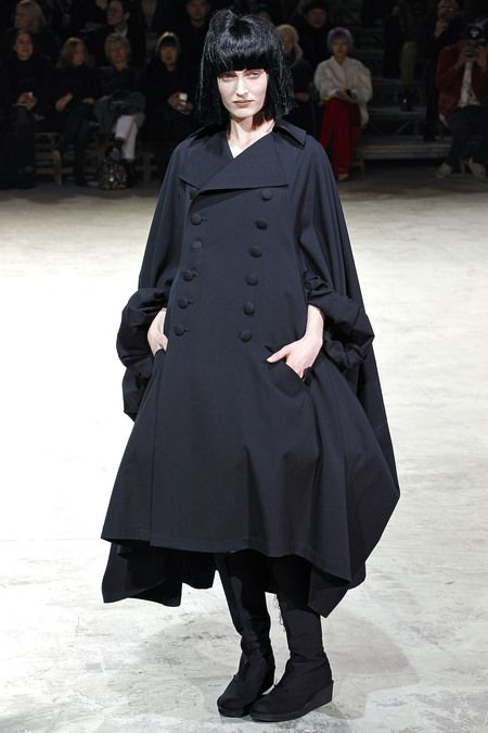 Yohji Yamamoto Fall 2013. 1980-1995 Costume for Women: this silhouette is similar to Lacroix's 'Le Pouf' dresses.
