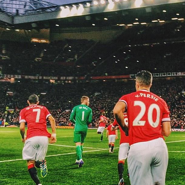 Di Maria, De Gea and Van Persie take to the field at Old Trafford.